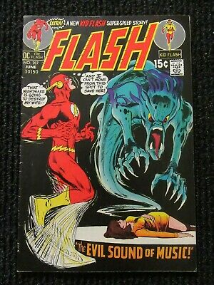 Flash #207  June 1971  Last 15 Cent Issue!!  Very Nice !!  See Pics!!