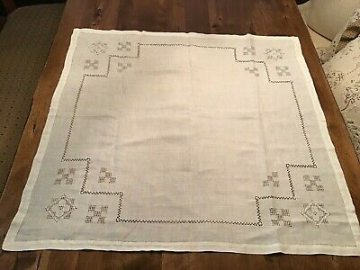 "Elegant Antique Lace Tablecloth Table Topper Ivory ~33"" x 32"""