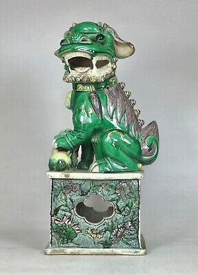Antique Chinese Qing Dynasty 1644-1911 Famille Verte Buddhist Lion Foo Dog