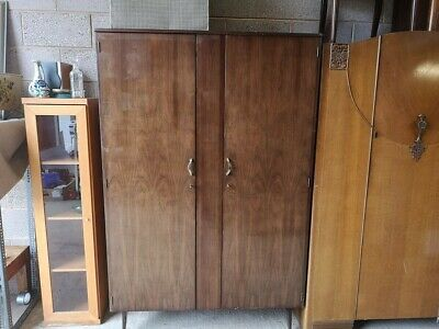 Meredew Italian Wardrobe antique wooden wardrobe used in good condition