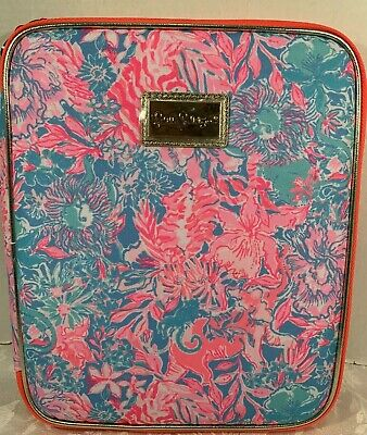 Lilly Pulitzer Zip Folio Featured in Viva La Lilly Pattern Retail $42.00 NWT (3)