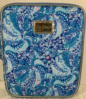 Lilly Pulitzer Zip Folio Featured in Wave After Wave Pattern  $42.00 NWT (4)
