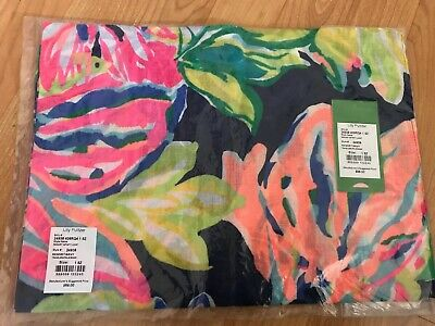 Lilly Pulitzer Travelers Palm Infinity Scarf NWT Spring!