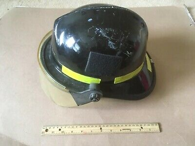 Black Firefighter Helmet with Face Shield, Cairns & Brother N660C Metro