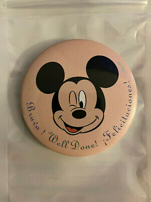 Badge Mickey (button) Disneyland Paris ( hotel Disneyland hotel ) NEUF