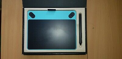 Wacom Intuos in Blue, with pen and start up guide/drawing tablet for beginners