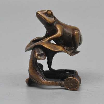 China antique copper Frog  Lotus leaf  Decoration  Honest and clean Statues