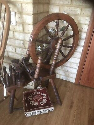 Antique spinning wheel, solid wood, great collectors item