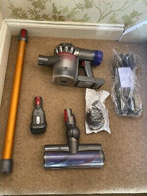 Dyson V8 Absolute Cordless Vacuum Cleaner - Very Good Condition