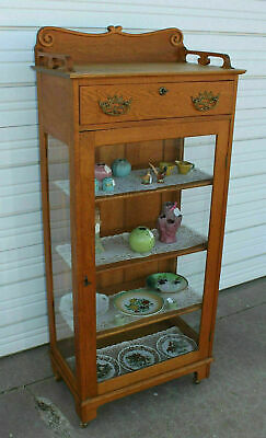 Antique Quartersawn Golden Oak China Display Curio Cabinet w Drawer Carving Keys