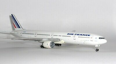 Boeing 777-300 Air France Gemini Jets Collectors Model Scale 1:400 GJAFR582