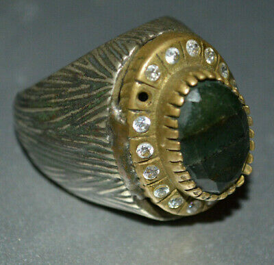 Beautiful style Ancient roman Bronze Ring highly detailed weeding great art