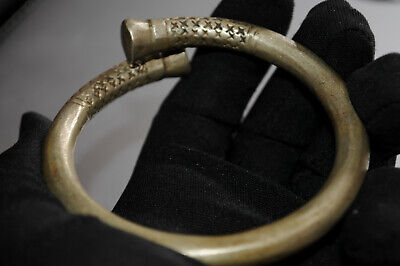Amazing estate finds style Ancient Viking Norse Solid Bracelet KNOT legionary X