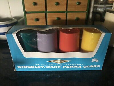 VINTAGE 1960'S PLASTIC PICNIC /CUPS /TUMBLERS / Kingsley Ware / Die Casters P/L