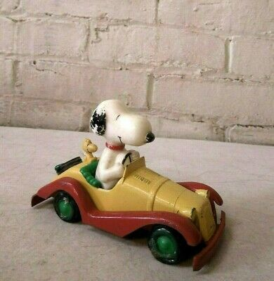 Vintage Peanuts Aviva 1958-65 United Feature Syndicates Snoopy in Die Cast Car