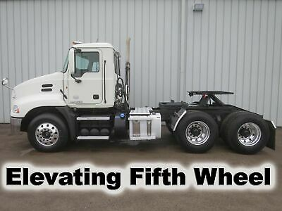 Cxu 613 395-Hp Diesel Daycab Tandem Axle Semi Elevating Fifth Wheel Truck Low Mi