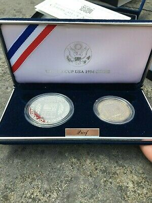 Etats-Unis - World Cup Usa 1994 - 1/2 + 1 Dollar  -  Argent  -  Voir Scans