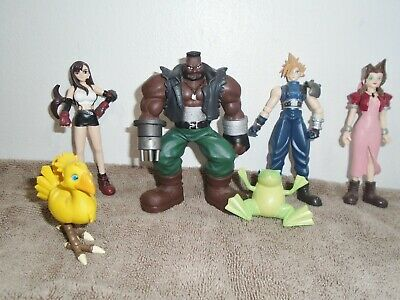 Final Fantasy VII Collectible Edition  set  w/ six figures Loose 1997