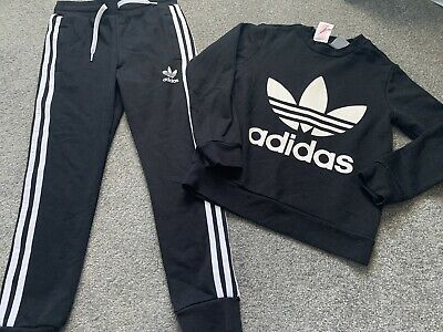 Boys Adidas Tracksuit Age 8-9 Years Black Jumper/joggers