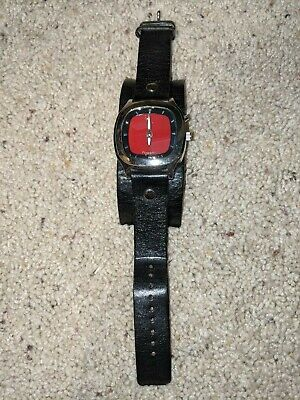 Fossil Wristwatch Red Face Leather Strap Used