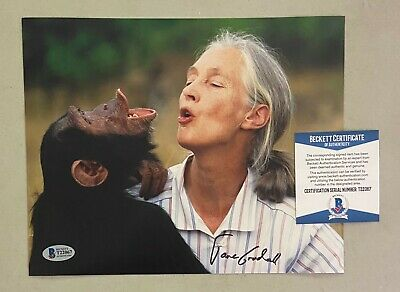 Jane Goodall Signed 8x10 Photo Autographed AUTO Beckett BAS COA Primeologist
