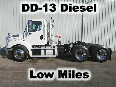 M2 112 Detroit Diesel Dd13 Tandem Axle Day Cab Semi Haul Trailer Truck Low Miles