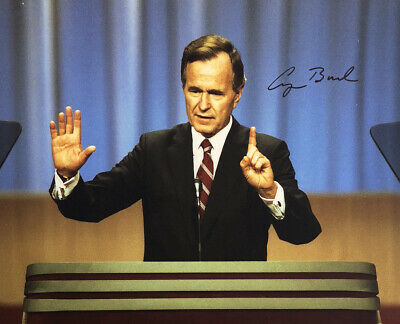 George Bush AUTHENTIC HAND SIGNED 8x10 Photo President Republican