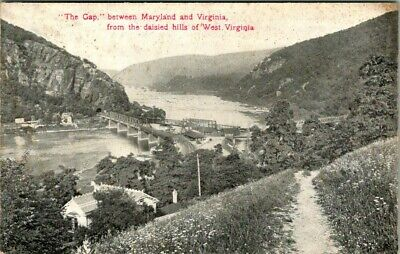 C36-4744, The Gap Btwn Maryland And Virginia, Postcard.