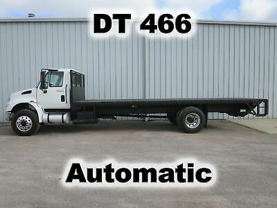 4400 Dt466 Automatic Single Axle 24Ft Flatbed Body Lift Gate Truck Low Miles