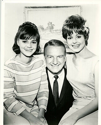 "FB-081 SALLY FIELD IN THE ABC TELEVISION PROGRAM /""GIDGET/"" 8X10 PUBLICITY PHOTO"