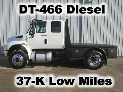 4300 Dt-466 Diesel Auto  9-Ft Flatbed Tow Toy Western Hauler Goose Neck Truck