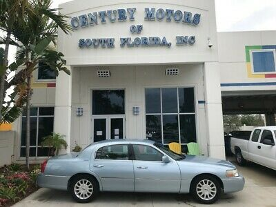 2006 Lincoln Town Car  CD Changer Homelink Keyless Entry Leather Seats Cruise Pedal Adjust