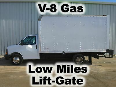 Express 6.0 V-8 14-Ft Box Cube Cargo Van Delivery Haul Lift Gate Truck Low Miles