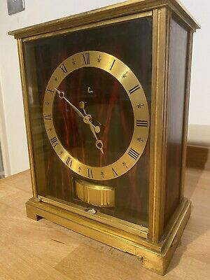 JAEGER LECOULTRE MAHOGANY MARBLED EMBASSY ATMOS CLOCK - In Working Order