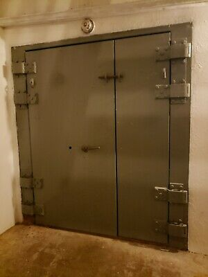 Underground Bunker Home for sale / Zombie Apocalypse Fallout  Shelter