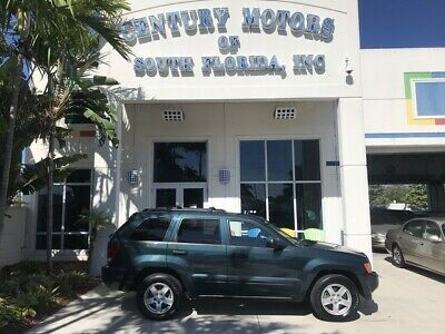 2005 Jeep Grand Cherokee  4x4 4WD Heated Seats Leather Sunroof GPS NAV MP3 CD Changer