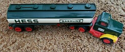 Vintage 1984 Hess Truck - 18 Wheel Semi Tanker With Piggy Bank - Please See Pics