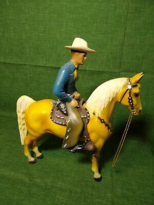 Vintage 1950s Western Champ 900 Series Hartland Statue and Horse Complete 12in