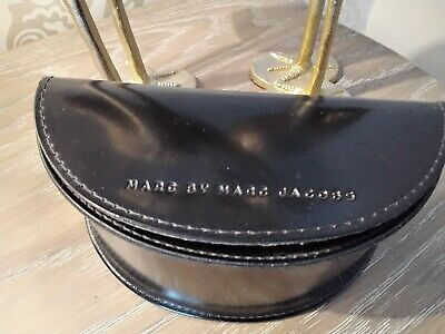 MARC BY MARC JACOBS Sunglasses case and cleaning cloth.
