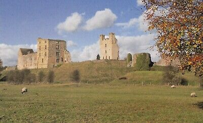 Postcard of HELMSLEY CASTLE, Yorkshire  - Never posted and in VGC