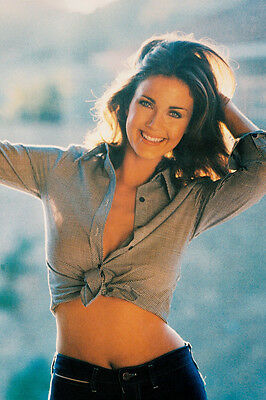 LYNDA CARTER BARE MIDRIFF SEXY POSE COLOR 24X36 POSTER
