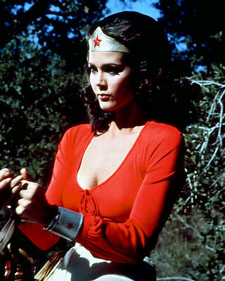 WONDER WOMAN SEXY COLOR 8X10 PHOTOGRAPH LYNDA CARTER