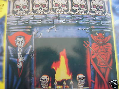 """HALLOWEEN WALL BANNERS 2 IN A  PACK       39.5"""" X 35.5"""""""
