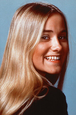 The Brady Bunch Maureen Mccormick 24X36 Poster Print