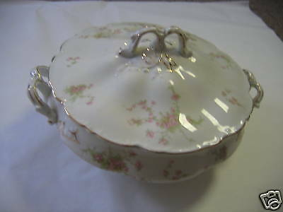 Johnson Brothers PINK ROSES COVERED VEGTABLE BOWL