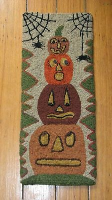 "Primitive Hooked Rug Pattern On Monks ""pumpkin Stack Whimsy"""