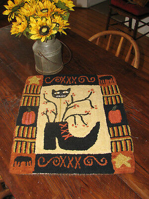 "Primitive Hooked Rug Pattern On Monks ~ ""The Witch's Shoe"""