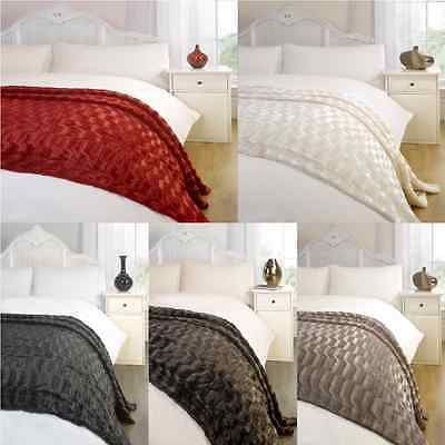 Decorative Elegant Waves Design Faux Fur Fleece Blanket Throw