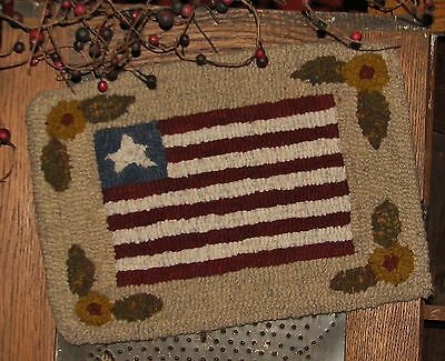 "Primitive Hooked Rug Pattern On Monks ""petite Prims Series ~ American Flag"""