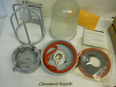 Crouse-Hinds Vxhf12Gp Vaporgard Lighting Fixture Kit New Condition In Box